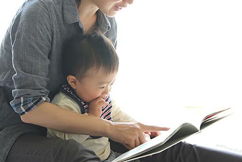 【絵本選び】子どもが喜んでくれる絵本の共通点って?